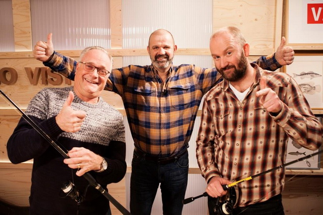 Ed Stoop (l) en visgids Juul Steyn over het vissen in de stad en het nieuwe Vis TV-seizoen