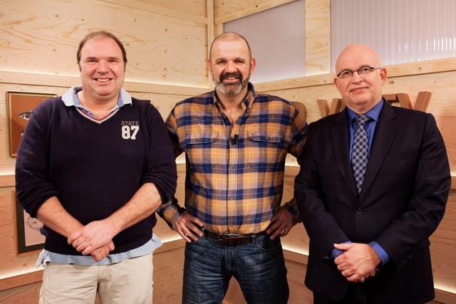 Henk Mensinga (l) en Henk Staghouwer over het unieke zeeforelproject Lauwersmeer.