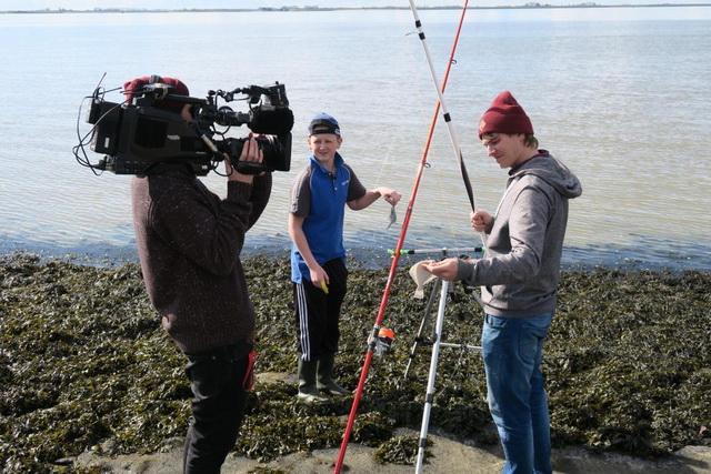 In Vis TV Next duiken we met Maarten van Beek (13) in de wereld van het kustvissen