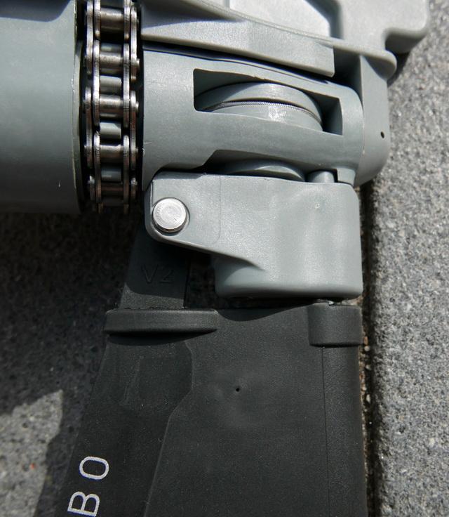 Hobie MirageDrive 180 V2 , dit gedeelte is gewijzigd t.o.v. het oorspronkelijke model