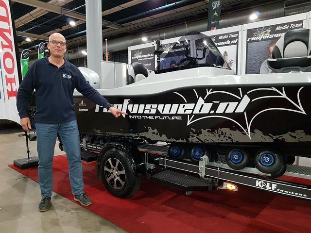 Ook een Kalf trailer onder de Orka Blackfish 500