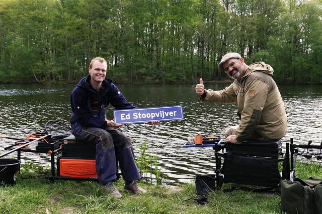 Marco Kraal en Ramon Ansing gaan methodfeederen aan de Ed Stoopvijver.