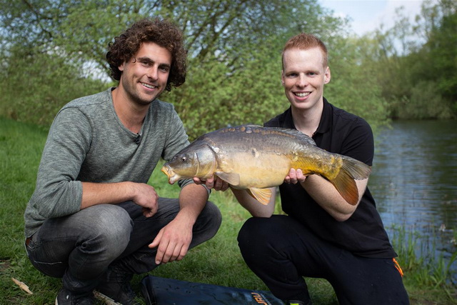 Thom Beentjes en Sjors Milder vissen komende zondag met de method feeder