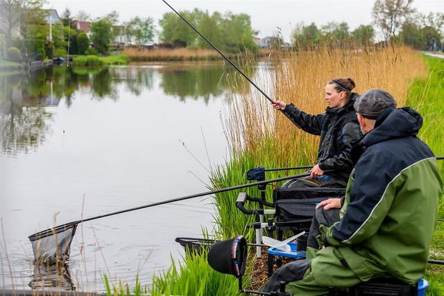 Wereldkampioen Anja Groot geeft Marco visles