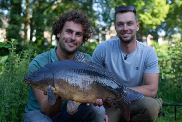 Thom en Kevin laten zien dat je ook actief statisch kunt karpervissen.