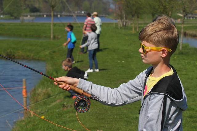 De jeugd heeft de toekomst en met het vliegvissen een hobby voor het leven.