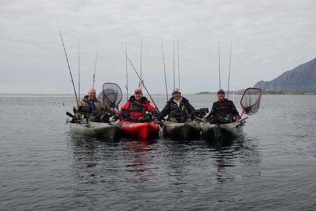 Op Leo na (fotograaf) onze groep met van links naar rechts van Theo, Martin, Daniël en Thomas.