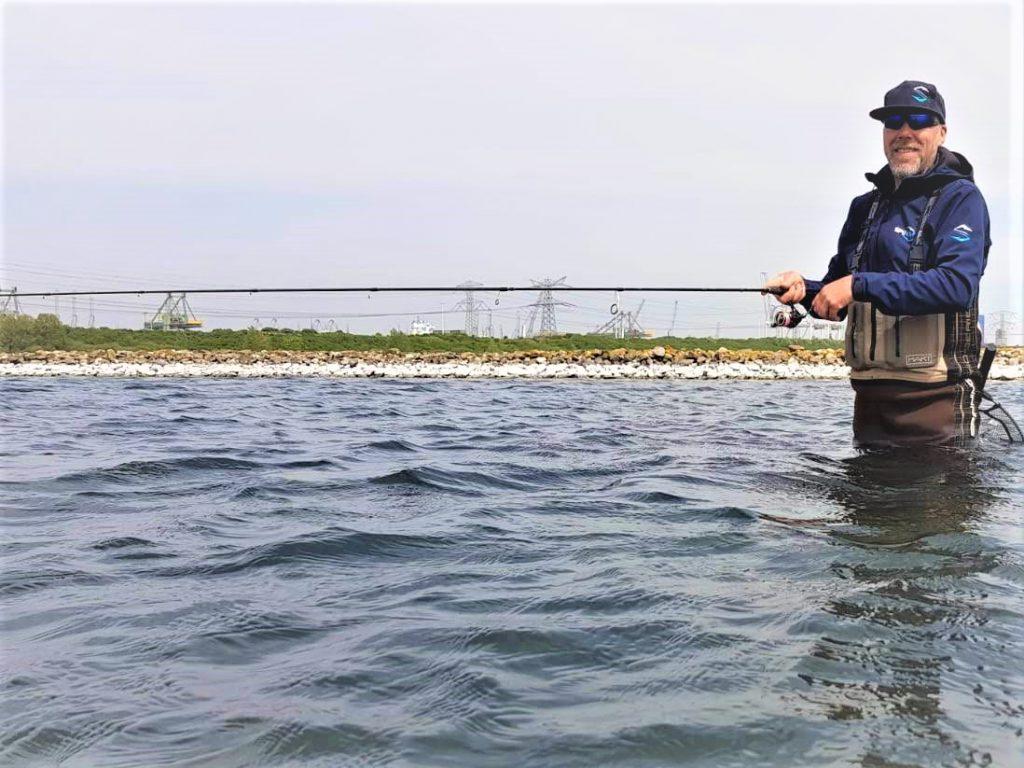 Wadend vissen.