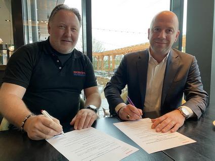 Daan Verbruggen verlengd contract met Honda Marine.