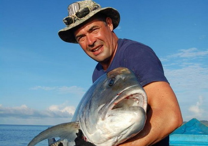 Evert Oostdam, Papuan Black Bass & Giant Trevally Fishing deel 1.