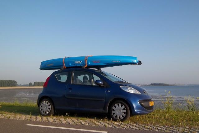 Makkelijk te vervoeren, zelfs met een kleine compacte wagen.