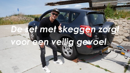Video in je eentje traileren op een steile helling!