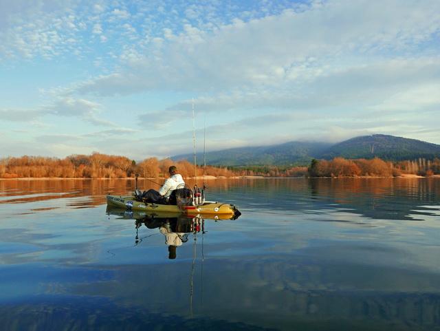 In het Noordwesten van Spanje verstopt tussen de bergen ligt het mythische meer