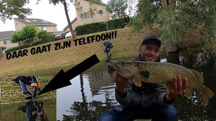 Video vissen op snoek met kunstaas. Telefoon te water!