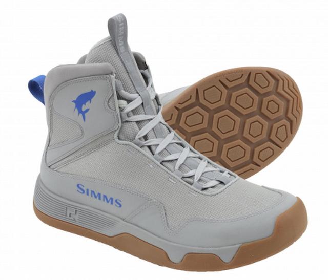 Simms heeft een ruim assortiment aan schoeisel welke uitstekend te gebruiken zijn door ons kayak vissers.