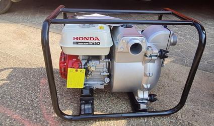 Honda waterpompen voor Limburgse reddingsbrigades.